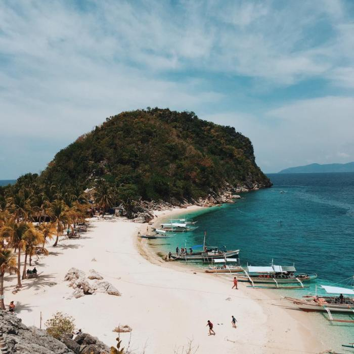 Backpacking Visayas | Day 1 & 2 : Hello, Islas de Gigantes!